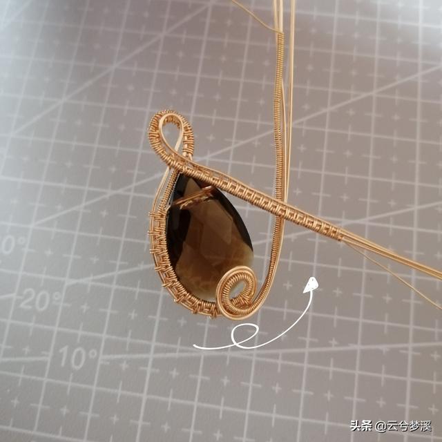 超详细的手工绕线吊坠制作步骤