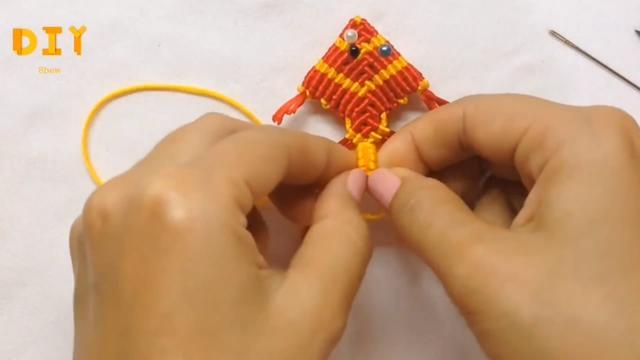 手工编织教程,学习如何编织可爱的3D小鱼挂件(图解2-2)