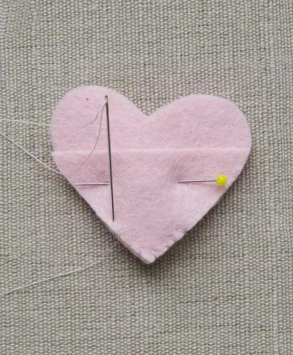 呆萌可爱的小挂件,5分钟做一个!DIY手工布艺心形挂饰,附教程