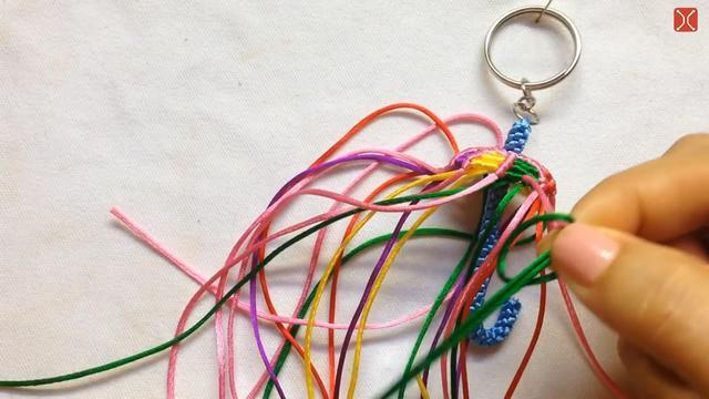 编织DIY,教你彩虹伞钥匙链的绳编方法,美美哒,非常漂亮!