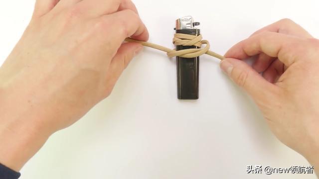 绳编一用伞绳DIY制作打火机套的制作步骤