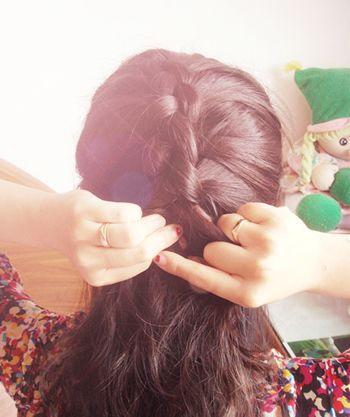 2款好看的韩式蝎子辫编发图解,让你也变得优雅起来!