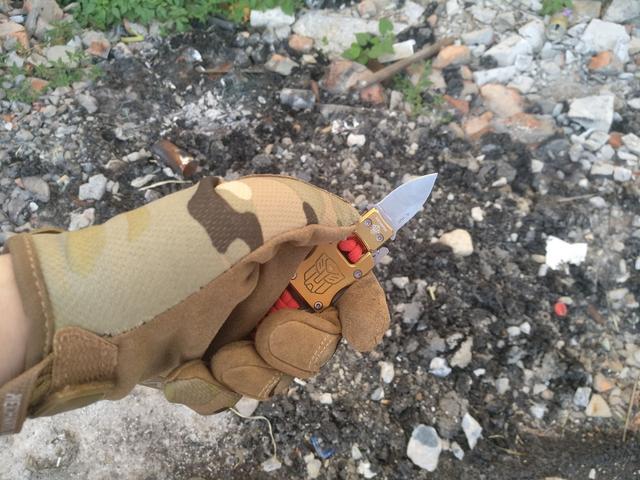 玩EDC应该自己动手 给小插刀编上伞绳手镯顿时战术了