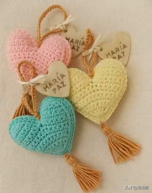 谁的心思这么细啊?这些小挂件都是毛线编织的,真漂亮