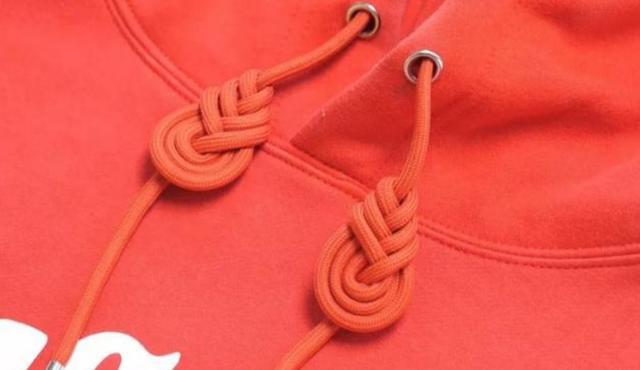 今年最流行的卫衣绳子打结法,方法简单一学就会