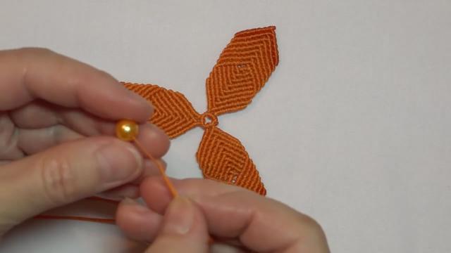 漂亮的风铃花挂饰,绳编方法很简单,看一遍就学会了!