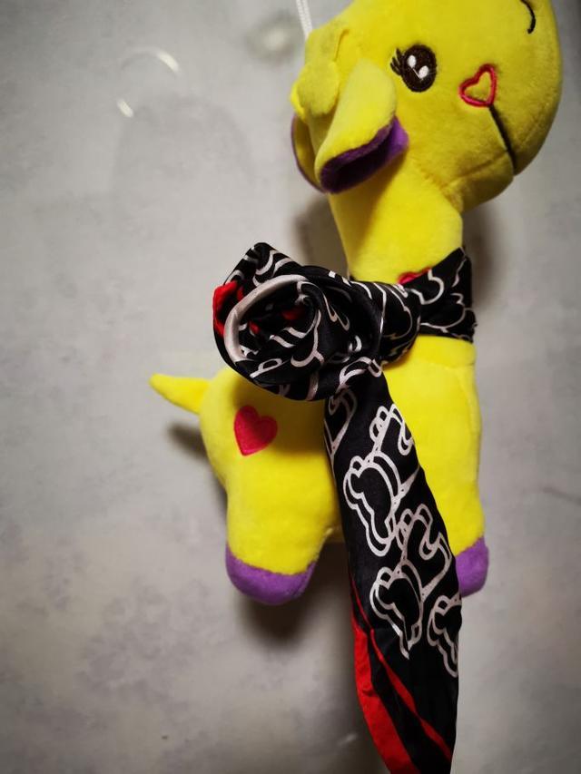 丝巾新系法  送你一朵玫瑰