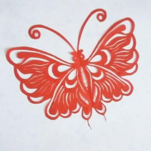 蝴蝶剪纸步骤图解,儿童蝴蝶窗花剪纸教程
