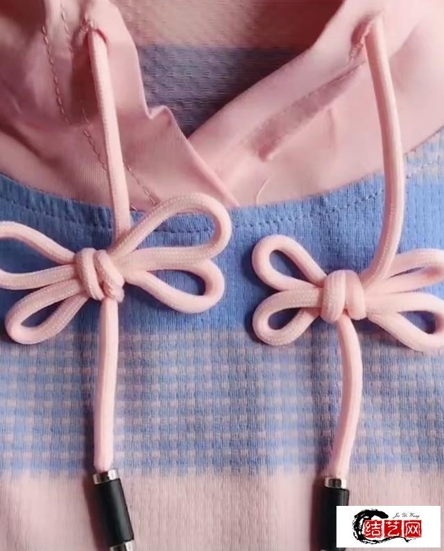 卫衣带子花样系法,个性又减龄,给造型加分变时髦
