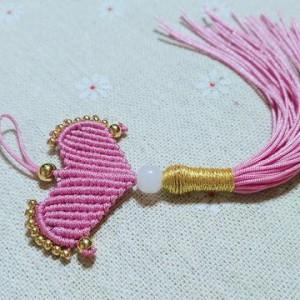绳编心形小挂教程图解,简单心形钥匙挂件手工编绳方法