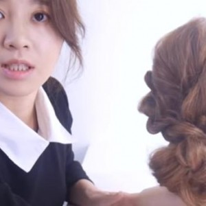 两股编发教程图解步骤方法,一步一步教你做简单又好看的发型