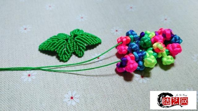 手工编绳,一串五彩色葡萄,编织方法简单