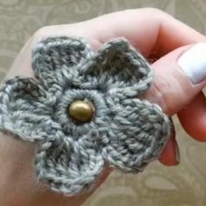 钩针入门毛线钩花教程,简单的钩花朵图解