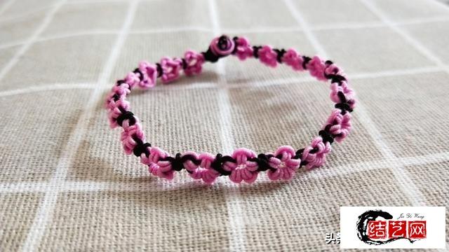 桃花手链编绳图解教程,简单又漂亮,把春意戴在手上