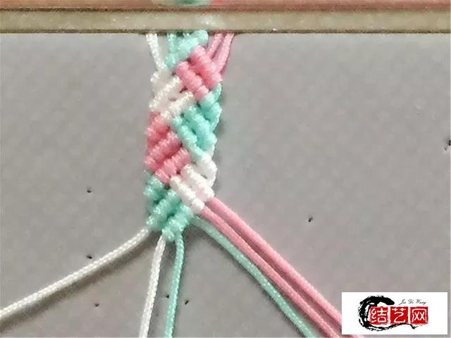 如何制作一款糖果色手链,纯手工编织教程,斜卷结的应用