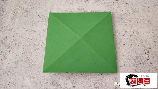 会动的青蛙折纸教程,简单有趣,好玩加倍