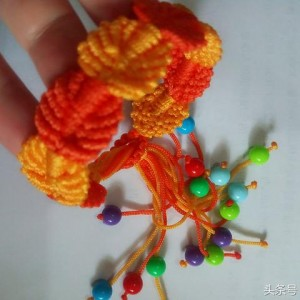 树叶手链编织教程,简单好看的女生手绳做法